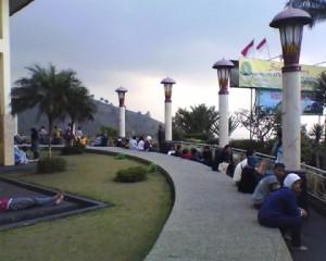 masjid at ta'awun - liat pemandangan 2