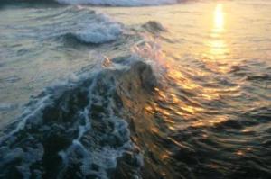 hidup seperti gelombang